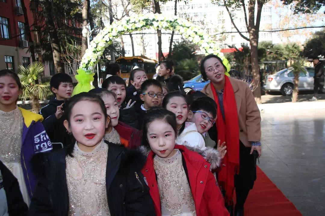 【校园动态】成就梦想,走向复兴——西斯达城市森林学校小学部文化艺术节暨2020迎新文艺汇演