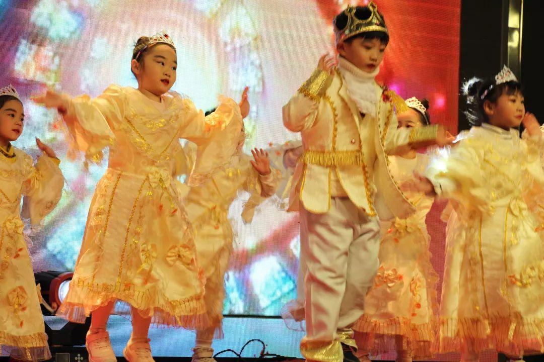 畅想中国梦 · 魅力西斯达——西斯达幼教事业部迎新汇演